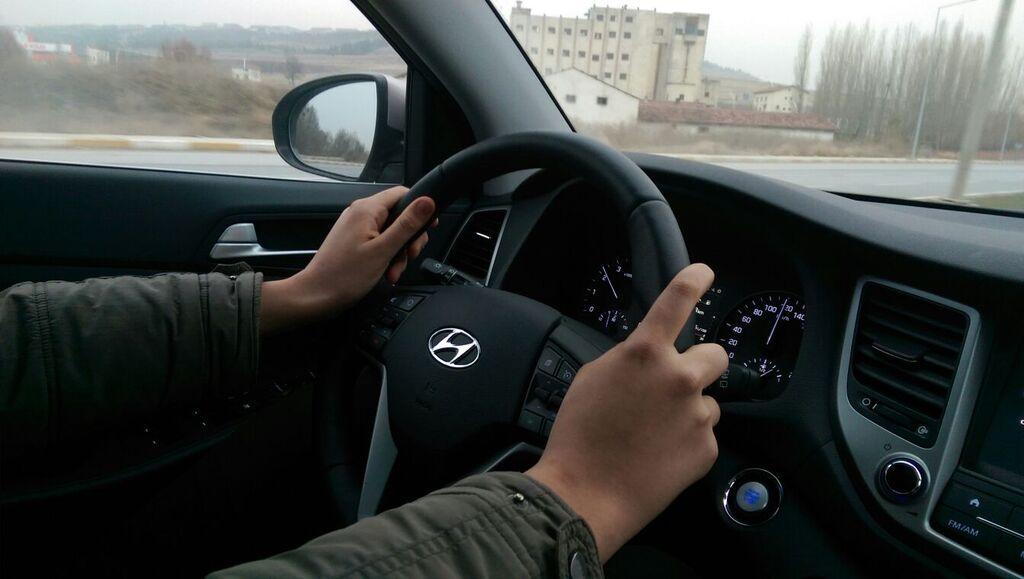 Hyundai-Tucson-kokpit_emresupcin